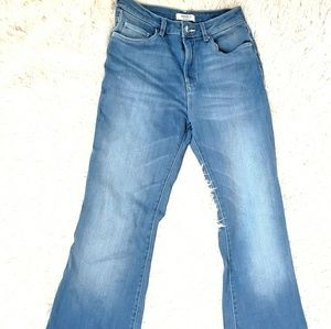 FOREVER 21 BOOT CUT SOFT BLUE STRETCHY SIZE 27